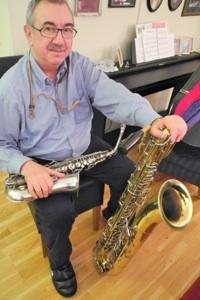 «Konsertmesteren» vår med sine to saxofoner